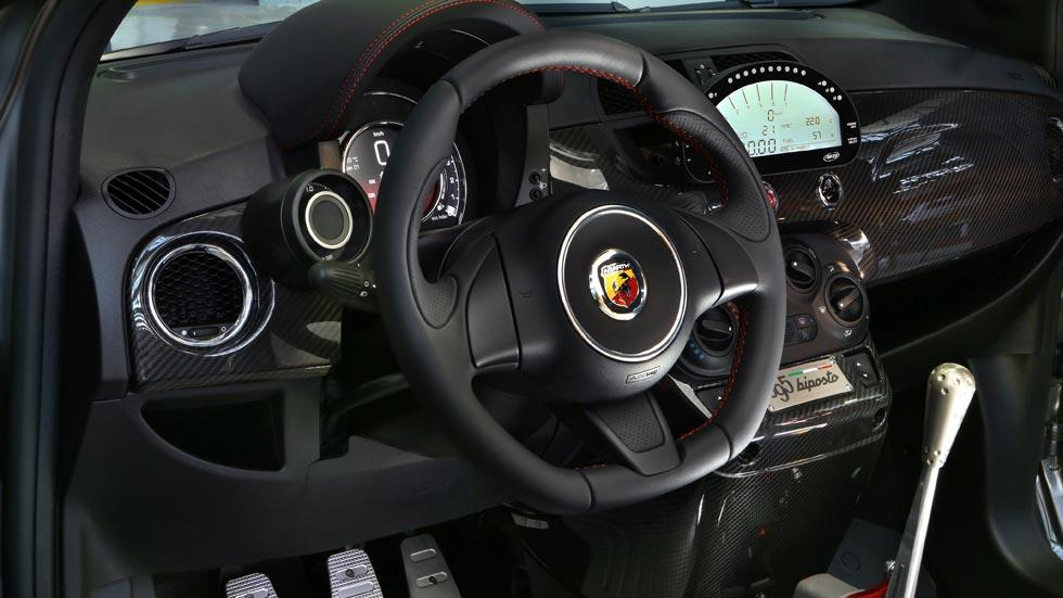 Abarth Biposto interior carbono