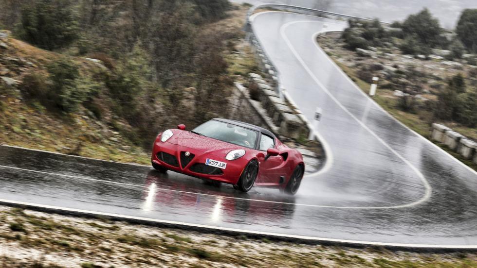 Alfa Romeo 4C Spider (12)