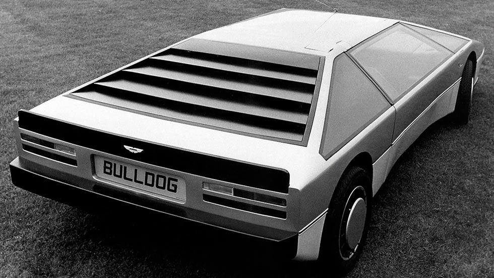 Aston Martin Bulldog trasera concept