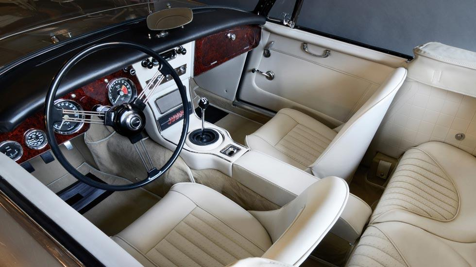 Austin Healey 3000 interior beige