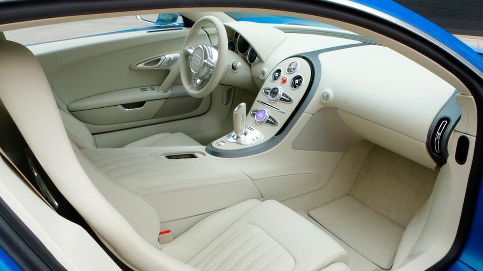 Bugatti Veyron Bleu Centenaire interior lujo beige