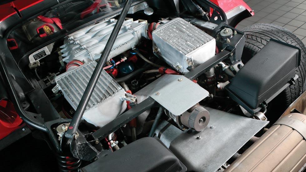 Ferrari F40 motor V8