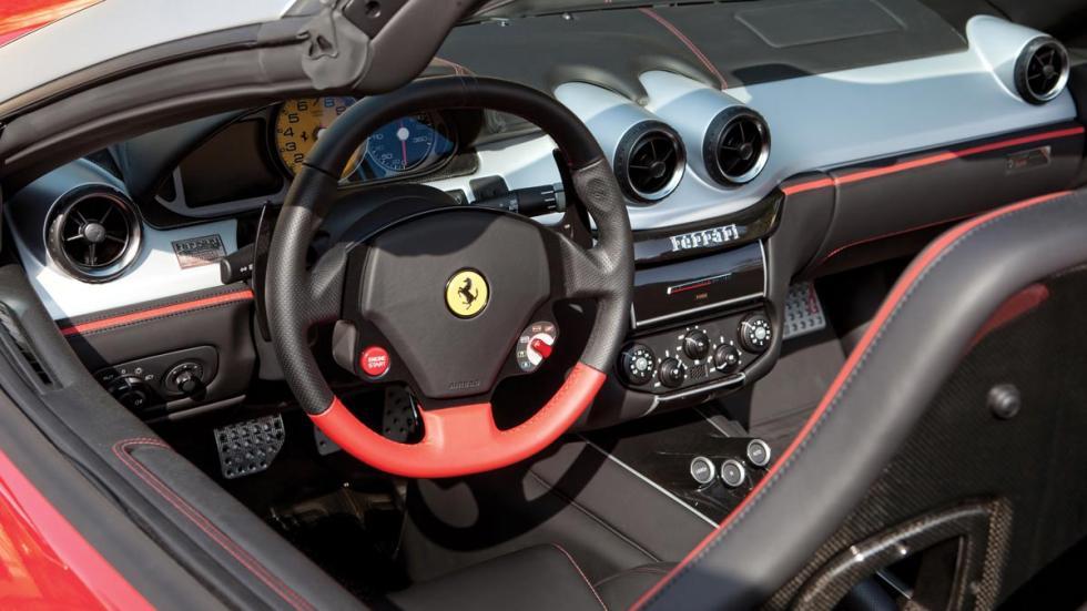 Ferrari SA Aperta interior