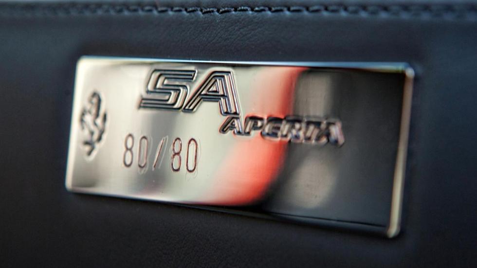 Ferrari SA Aperta placa edicion limitada