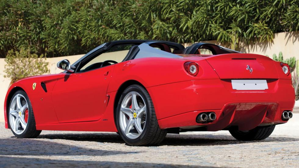 Ferrari SA Aperta trasera descapotable rojo