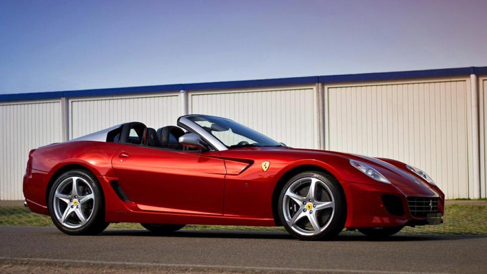 Ferrari SA Aperta burdeos descapotable lujo limitada