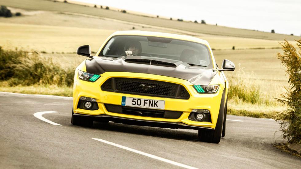 Ford Mustang CS700 (X)