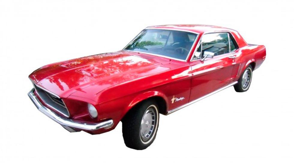 Ford Mustang Ringo Starr rojo