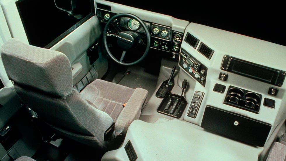 Hummer H1 interior 4x4