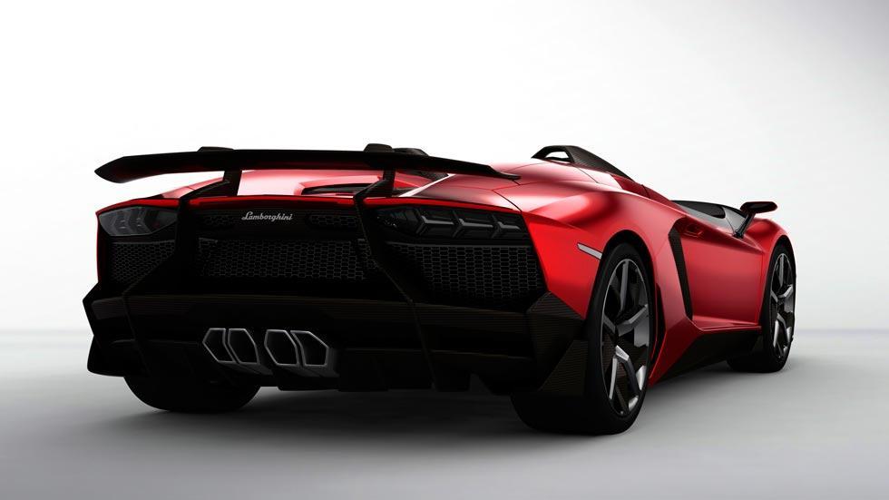 Lamborghini Aventador J trasera escape