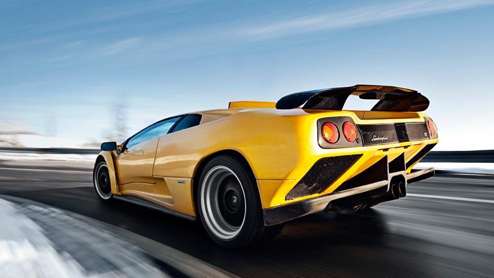 Lamborghini Diablo GT amarillo trasera aleron