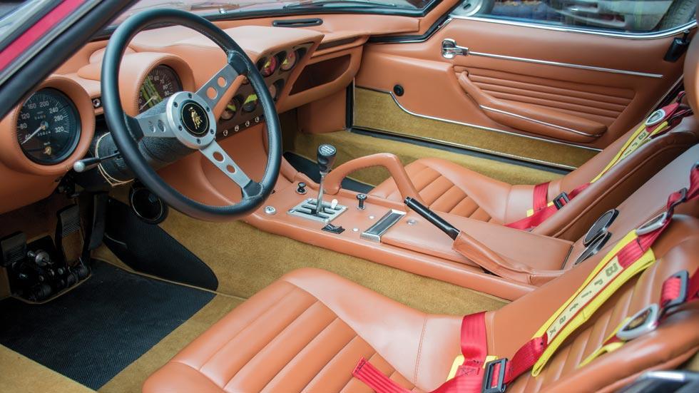 Lamborghini Miura SV/J interior superdeportivo