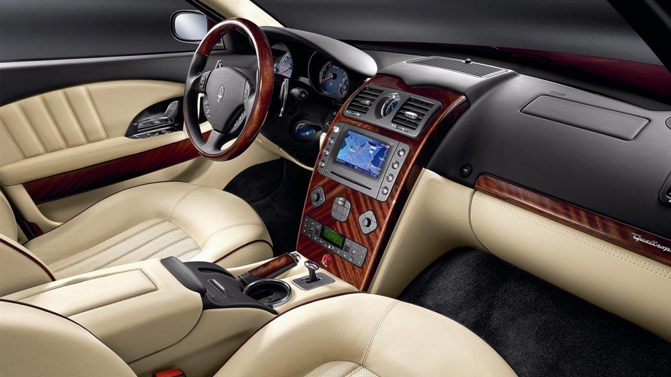 Maserati Quattroporte interior lujo madera
