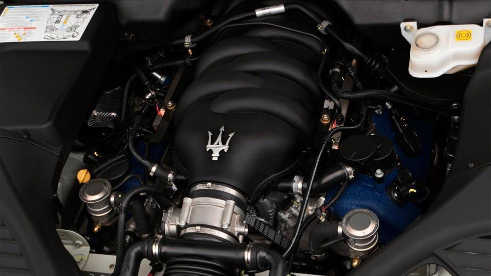 Maserati Quattroporte motor V8