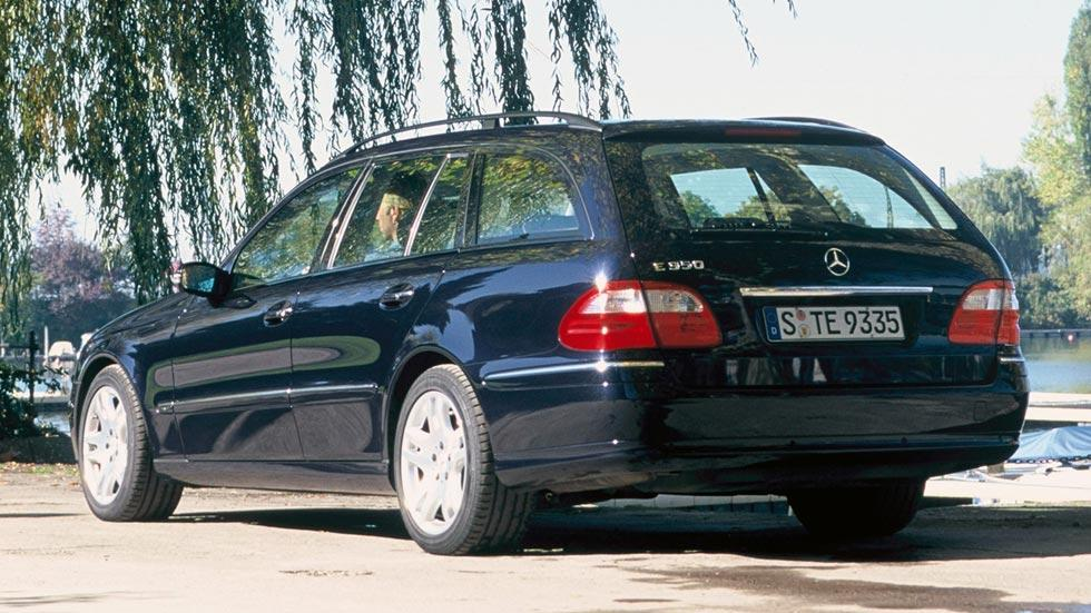 Mercedes E Estate trasera famosos