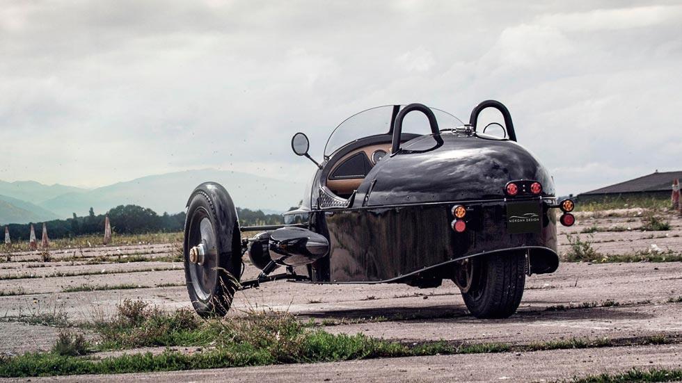 Morgan EV3 Selfridges trasera eléctrico deportivo clásico