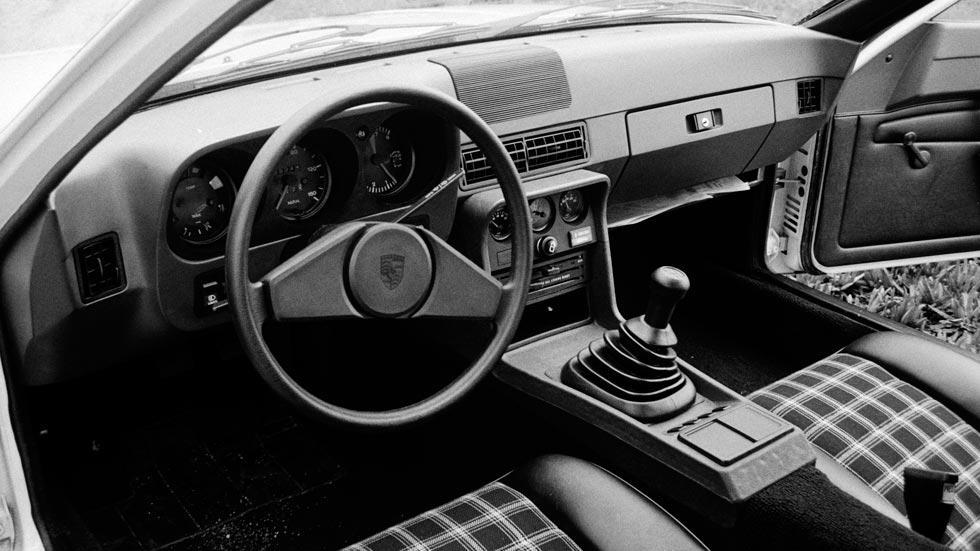 Porsche 924 interior americano