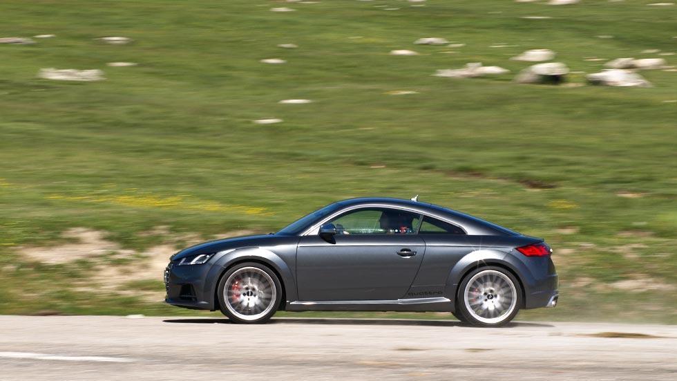Prueba Audi TTS barrido deportivo gris pinzas rojas
