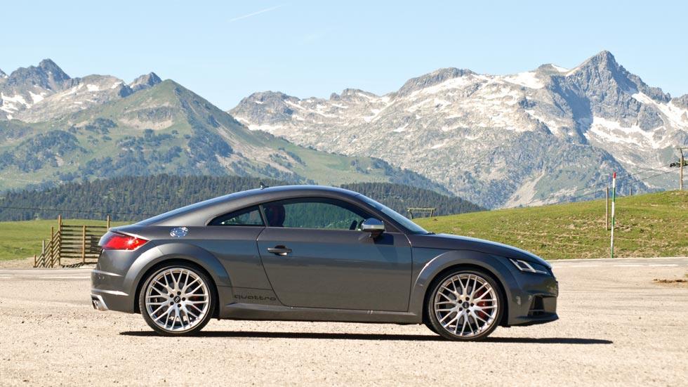 Prueba Audi TTS lateral montaña pirineos