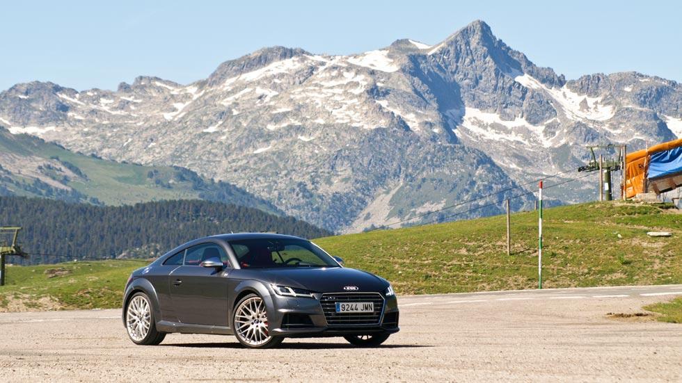 Prueba Audi TTS montaña estatica pirineos