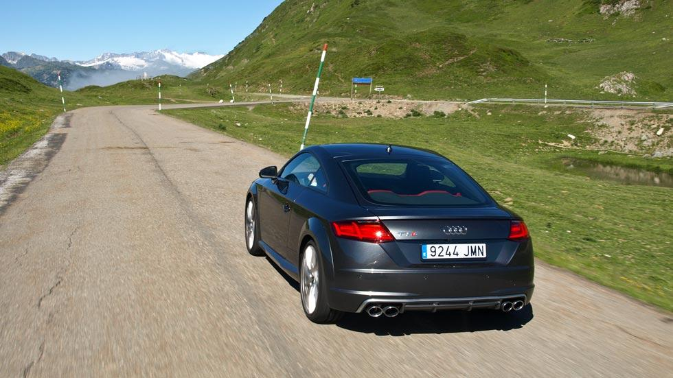 Prueba Audi TTS trasera dinámica valle de aran pirineos