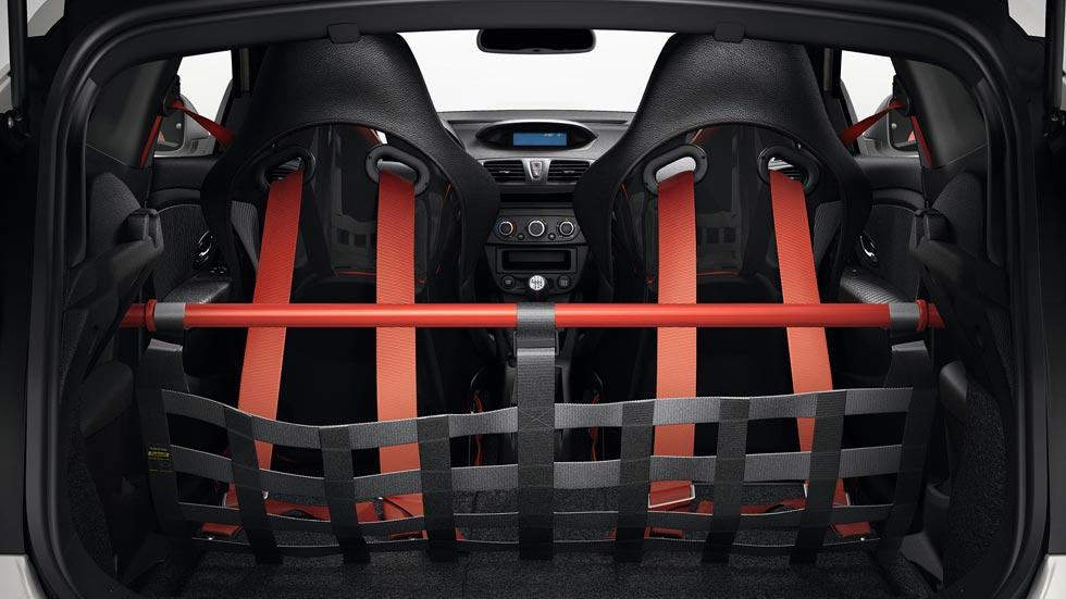 Renault Megane RS Trophy R maletero barras baquets arnes