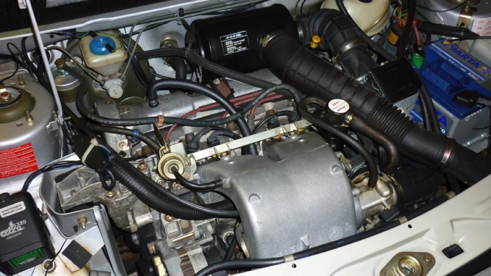 Peugeot 205 GTi 1989 motor