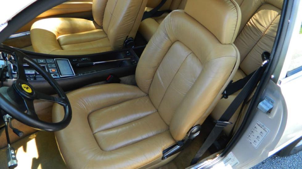Ferrari 400i asientos delanteros