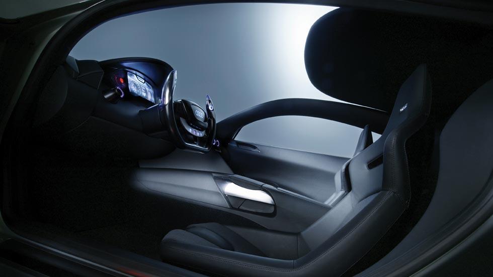 Audi RSQ interior lujo película cine