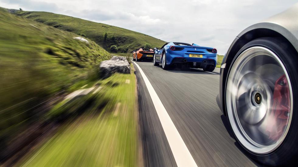comparativa entre el Ferrari 488 Spider, el Lamborghini Huracán y el McLaren 650S Spider
