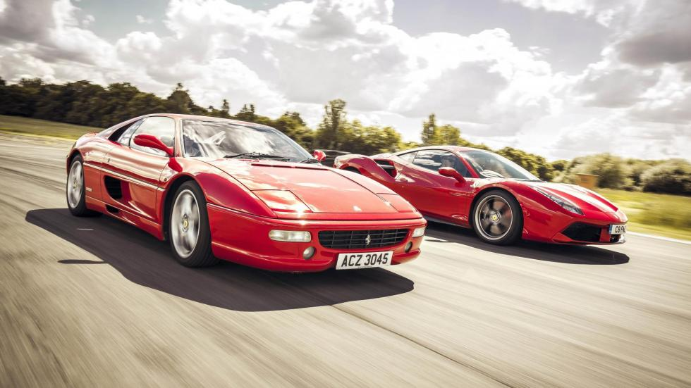 Ferrari F355 488 deportivo clásico moderno prueba cara