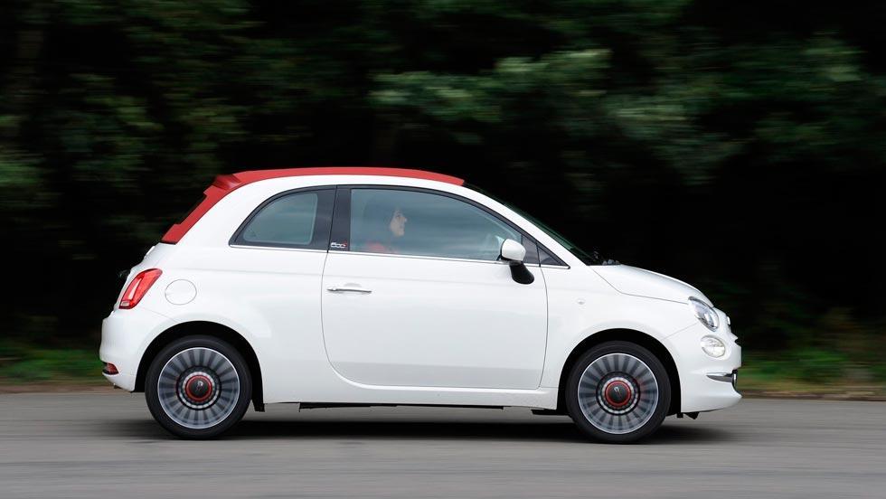 Fiat 500C lateral blanco rojo