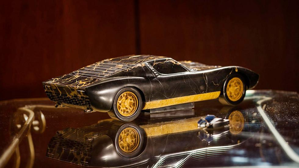 The Hen – Lamborghini Miura