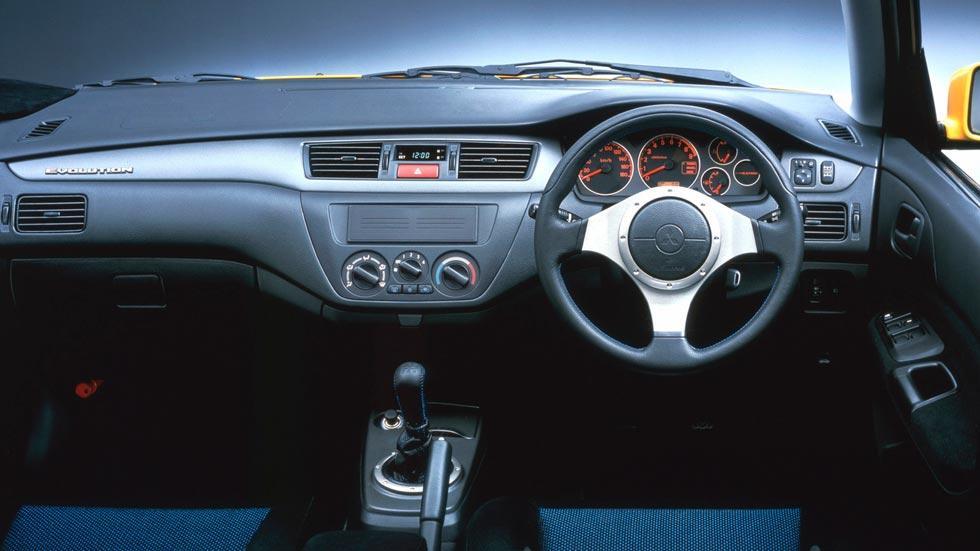 Mitsubishi Lancer EVO VII deportivo rally clásico motorsport sedán