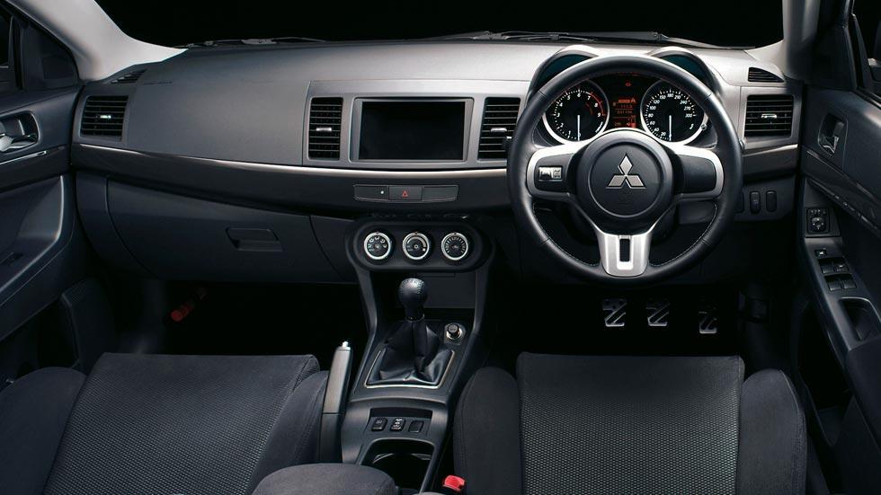 Mitsubishi Lancer EVO X deportivo rally clásico motorsport sedán