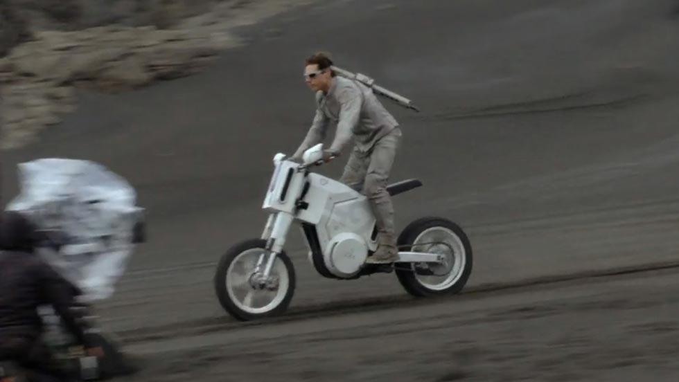 Moto Oblivion Tom Cruise película cine