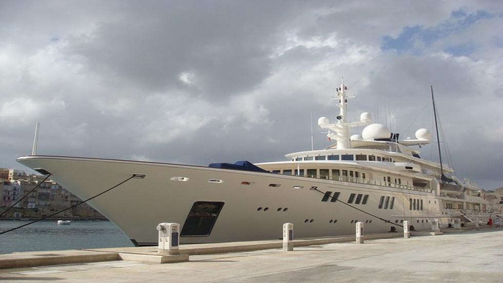 La pequeña embarcación de Bernie Ecclestone