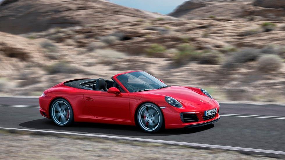 Porsche 911 Carrera Cabrio rojo descapotable deportivo