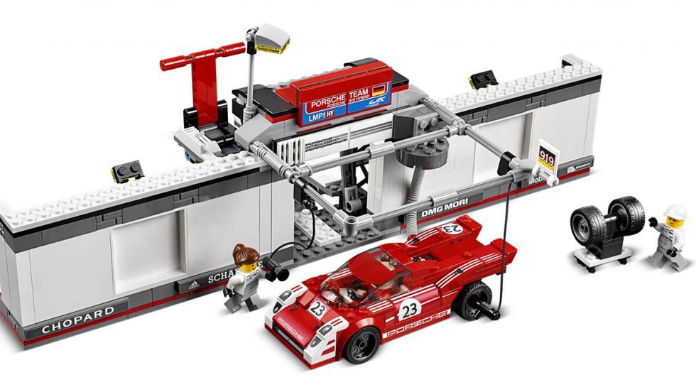 Porsche 917K y 919 pitlane