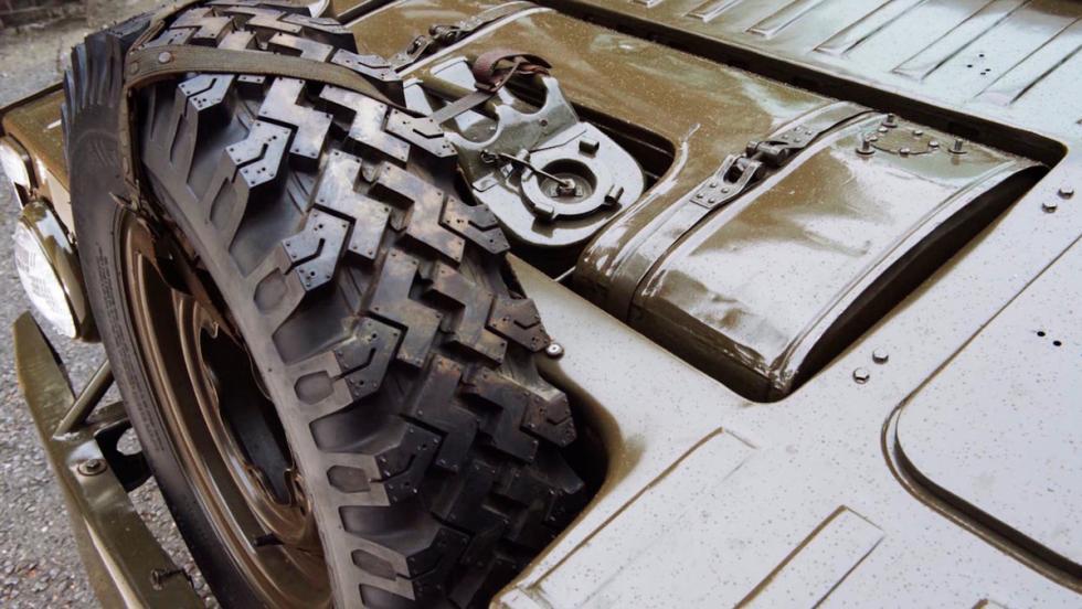 Porsche militar (X)