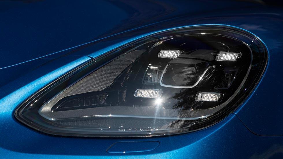 Prueba Porsche Panamera Turbo faros LED lujo tecnología