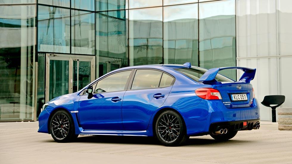 Subaru WRX STi trasera deportivo racing sedan