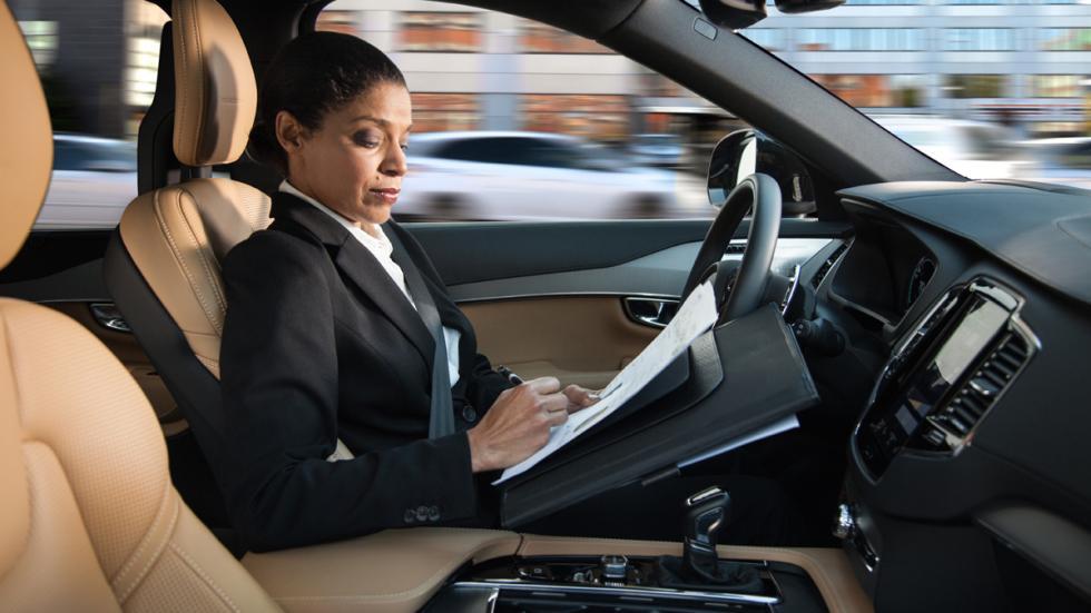 tecnologías-deberían-incorporar-todos-coches-conducción-autónoma