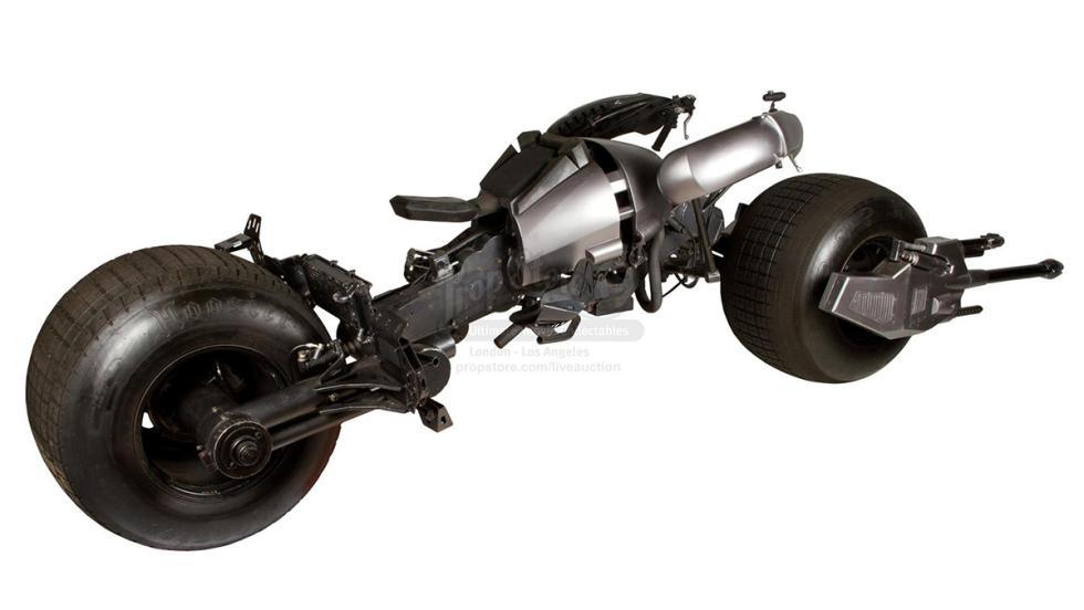 Así es el Batpod: la moto de Batman