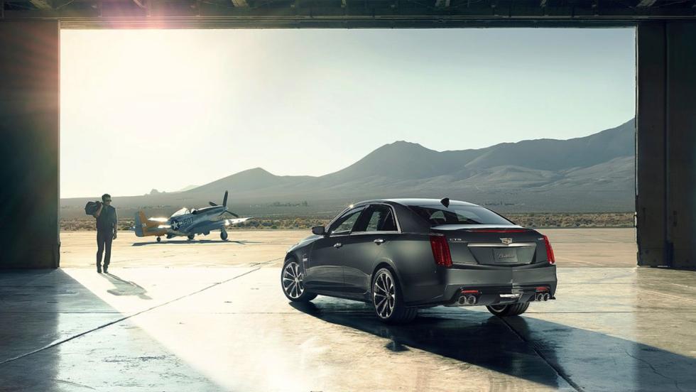 Cadillac CTS-V - 320 km/h
