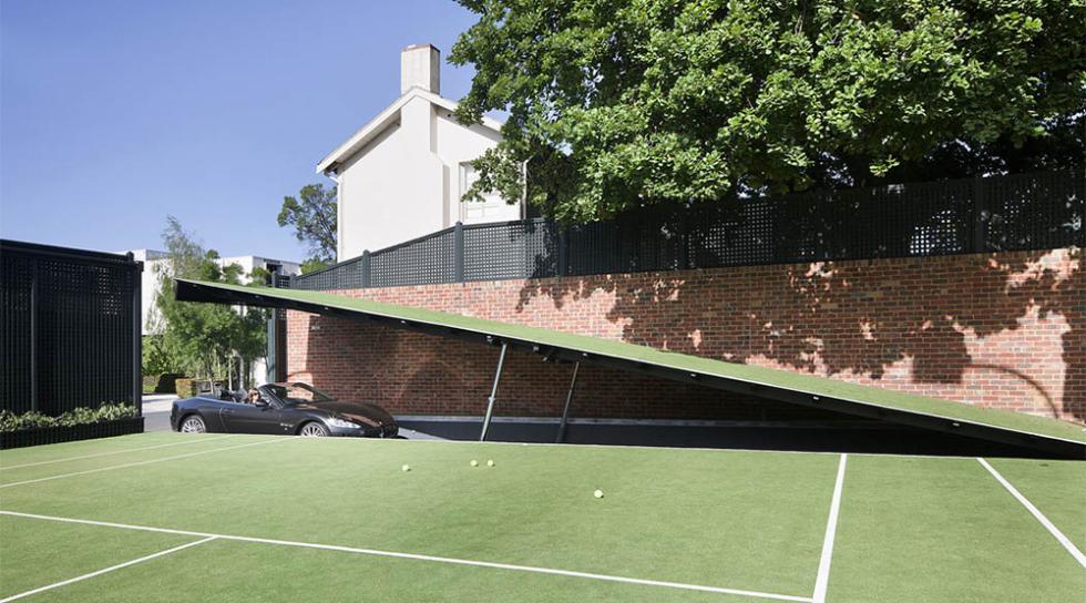 El garaje del Caballero Oscuro que un fan ha construido en su casa
