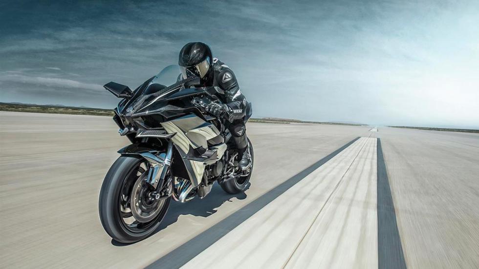 Kawasaki Ninja H2R moto con turbo sobrealimentación downsizing altas prestaciones fibra carbono motos