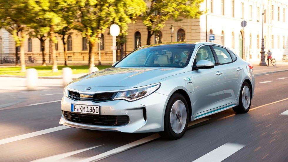 Kia Optima híbrido enchufable sedan lujo eléctrico