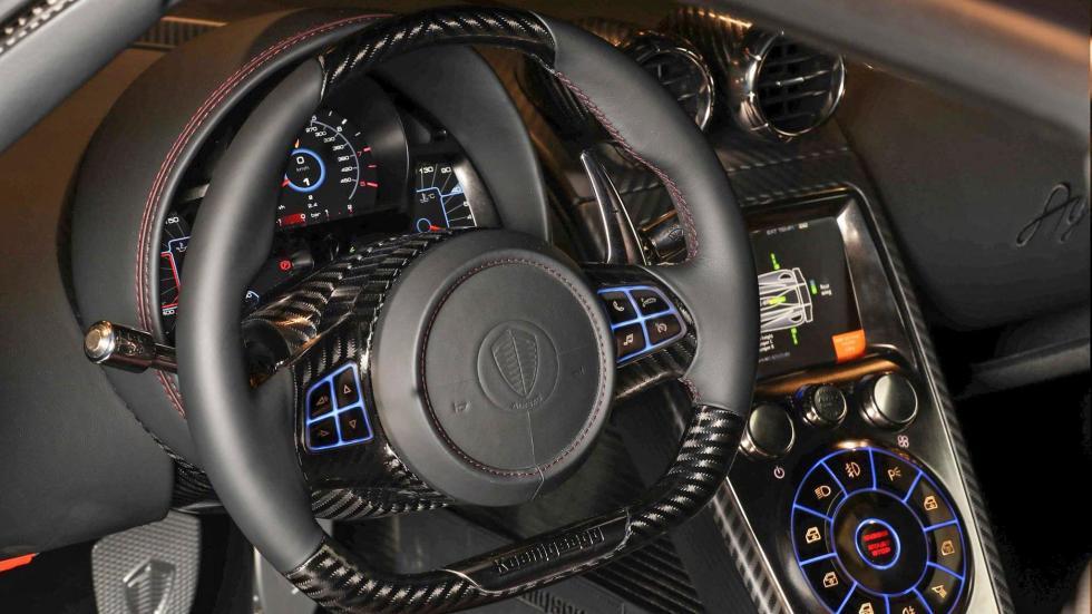 Koenigsegg Agera RSR superdeportivo hyperdeportivo exclusivo lujoso potente fibra de carbono