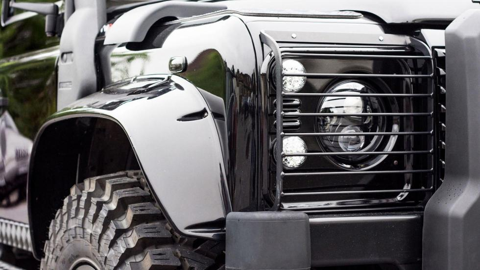 Land Rover Defender Spectre Edition (III)